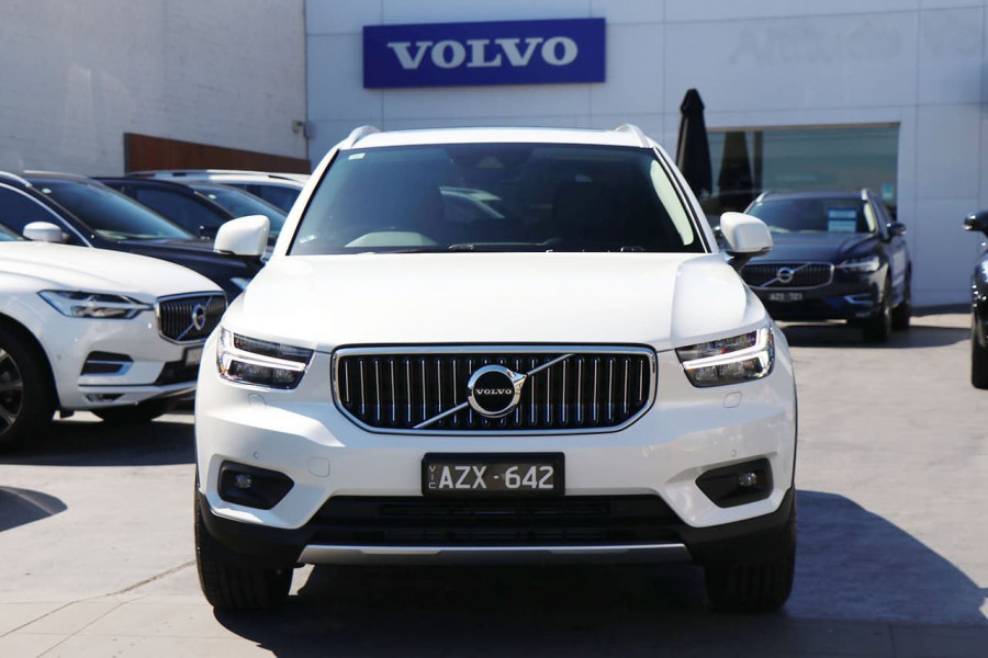 2020 Volvo XC40 XZ T4 Inscription Suv Mobile Image 2