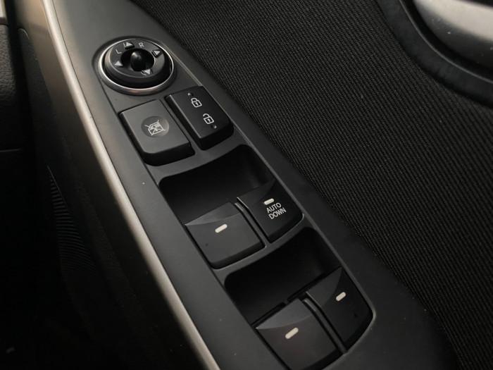 2013 Hyundai I30 GD Active Hatchback Image 21