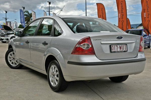 2008 Ford Focus LT CL Sedan Image 3