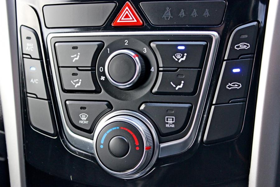 2014 Hyundai i30 GD2 Trophy Hatchback Image 14