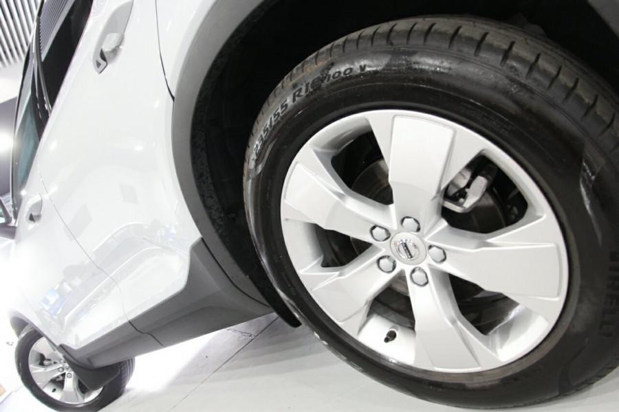 2019 MY20 Volvo XC40 536 MY20 T4 Momentum (FWD) Suv Image 16