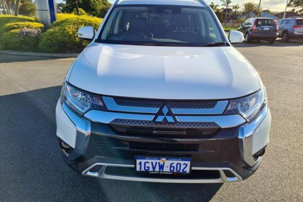 2019 Mitsubishi Outlander ZL LS Suv Image 2