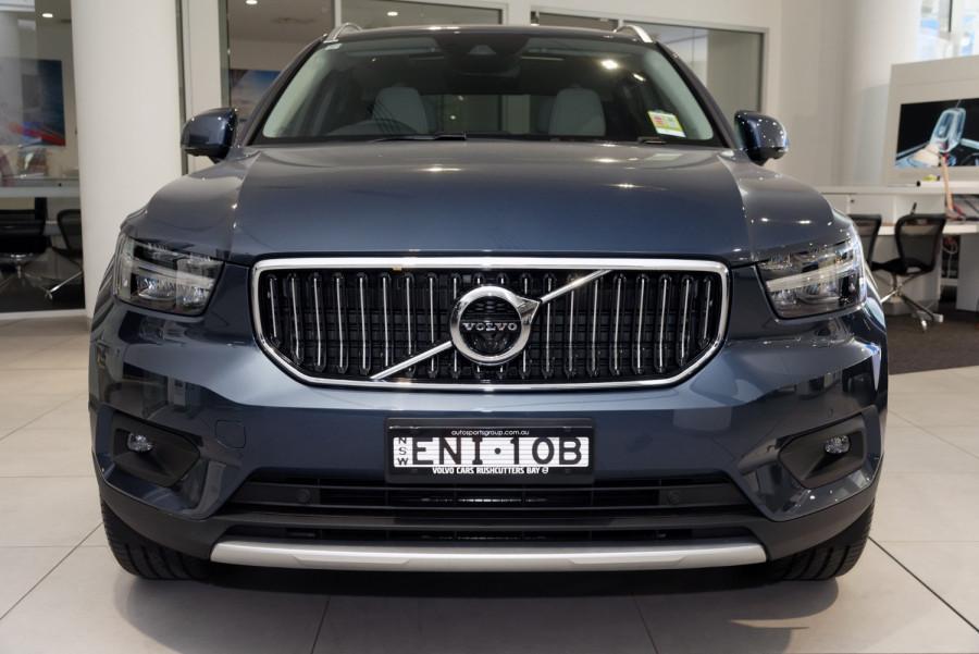 2021 Volvo XC40 XZ T4 Inscription Suv Image 8