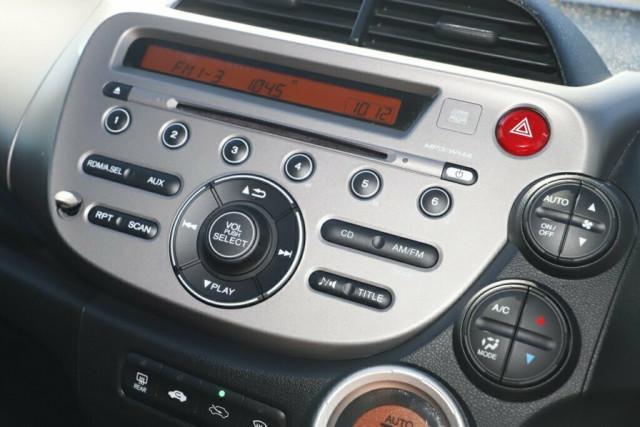 2013 Honda Jazz GE Vibe Hatchback Image 16