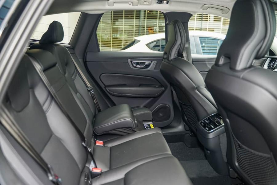 2020 MY21 Volvo XC60 UZ T5 Momentum Suv Image 8