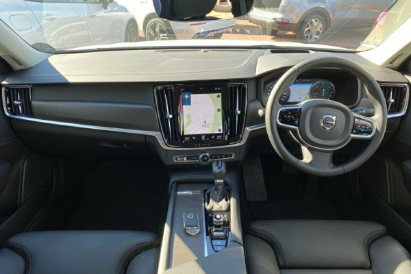 2019 MY20 Volvo V90 Cross Country P Series D5 Suv Image 2