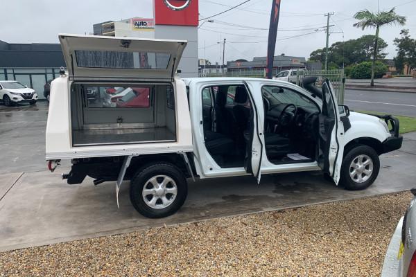 2017 Isuzu Ute D-MAX Utility crew cab Image 5
