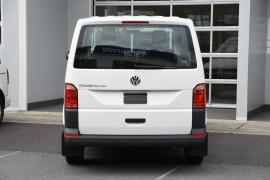 2019 Volkswagen Transporter T6 SWB Crewvan Van Image 4