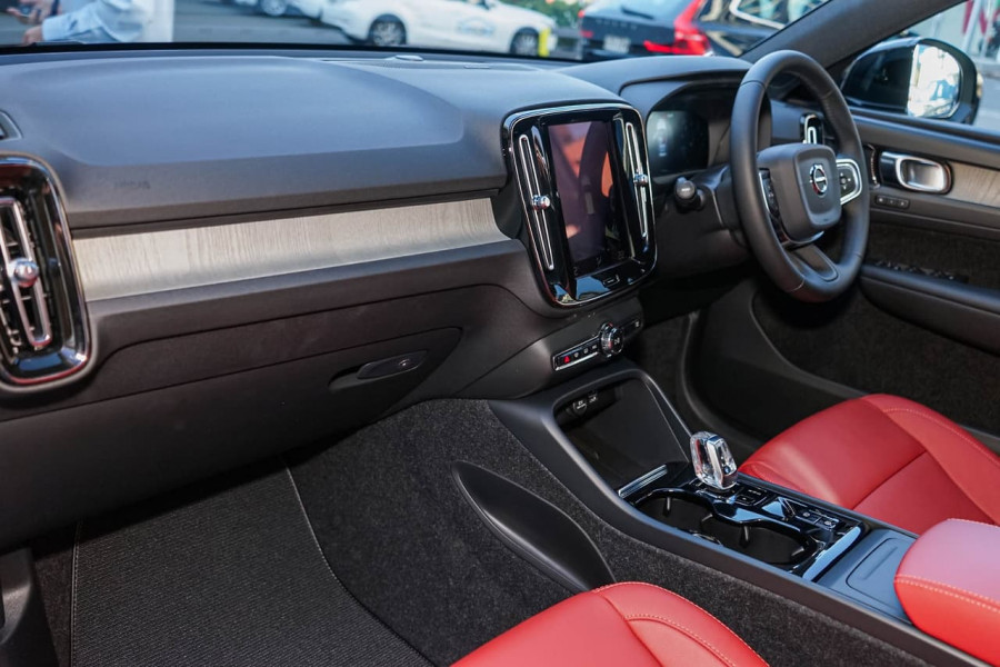 2019 MY20 Volvo XC40 T4 Inscription Suv Mobile Image 6