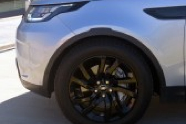 2018 MY19 Land Rover Discovery Vehicle Description.  5 L462 MY19 SD6 SE WAG SA 8SP 3.0DTT SD6 Suv Image 4
