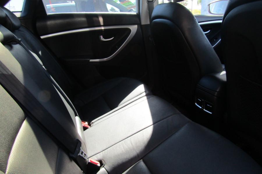 2013 MY14 Hyundai i30 GD2 Premium Hatchback Image 7