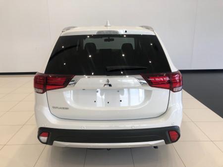 2017 Mitsubishi Outlander ZK LS 2wd 7 st wagon Image 5