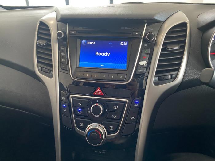 2014 Hyundai I30 GD2 Active Hatchback Image 24