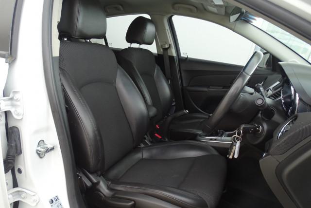 2012 Holden Cruze SRi 18 of 22