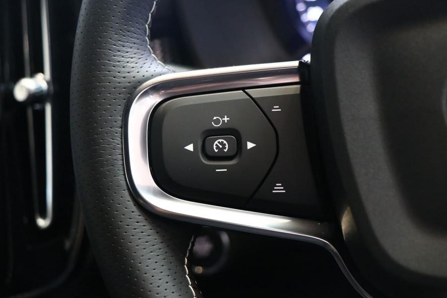2021 Volvo XC40 XZ T5 R-Design Suv Image 10