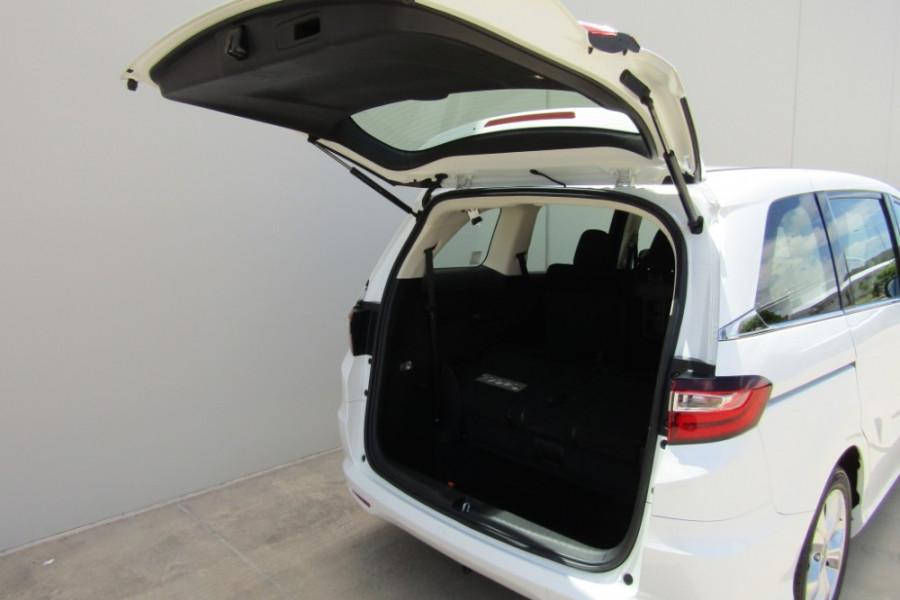 2016 Honda Odyssey 5th Gen VTi Wagon Image 5