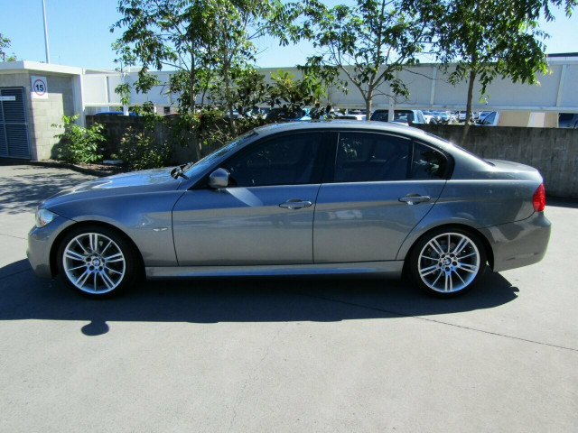 2010 BMW 3 Series E90 MY10 320i Steptronic Executive Sedan Mobile Image 4