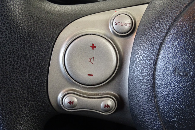 2011 Nissan Micra ST-L 20 of 30