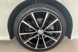 2015 MY06 Mercedes-Benz B-class W246 806MY B200 d Hatchback