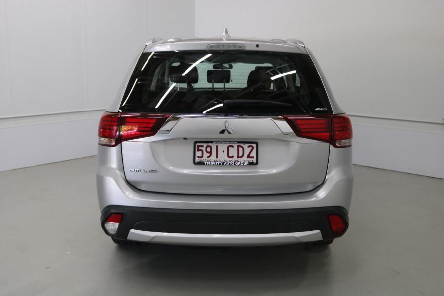 2018 MY18.5 Mitsubishi Outlander ZL MY18.5 ES Suv Image 18