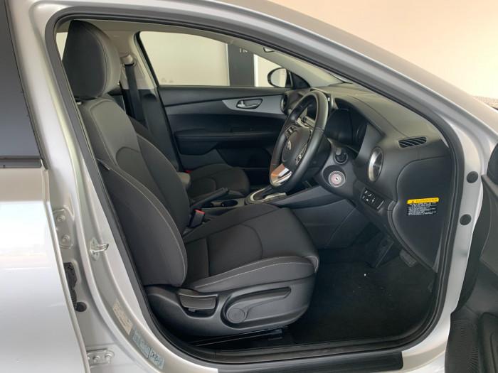 2019 Kia Cerato BD MY19 S Hatchback Image 15