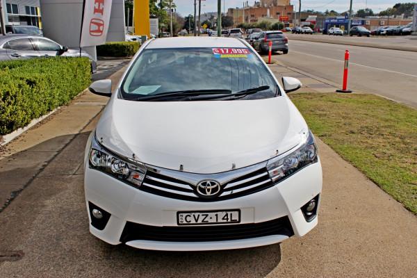2014 Toyota Corolla ZRE172R SX Sedan Image 3