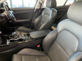 2018 MY19 Kia Stinger CK 330S Sedan