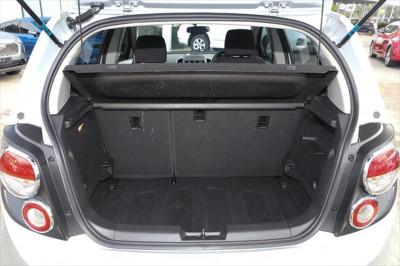 2016 Holden Barina TM MY16 CD Hatchback Image 4