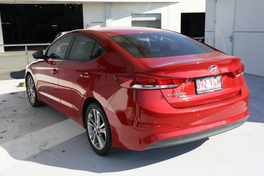 2018 Hyundai Elantra AD Trophy Sedan Image 3