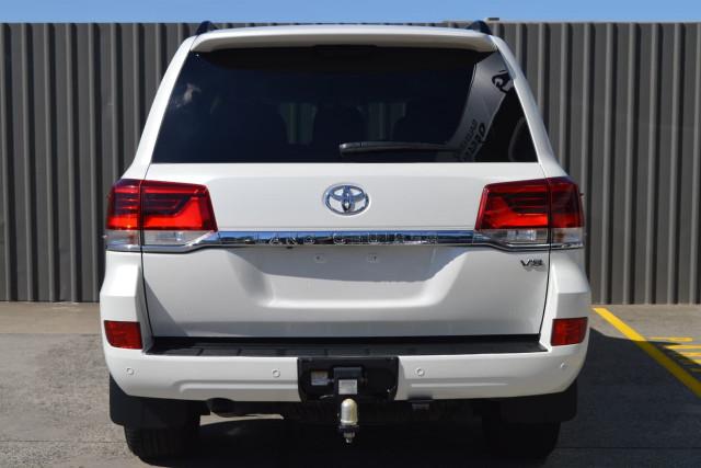 2016 Toyota Landcruiser VX 23 of 25
