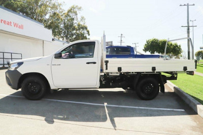 2016 Toyota HiLux GUN122R Workmate Cab chassis Image 4