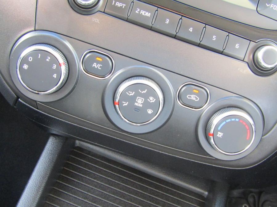 2018 Kia Cerato YD S Hatchback Image 21