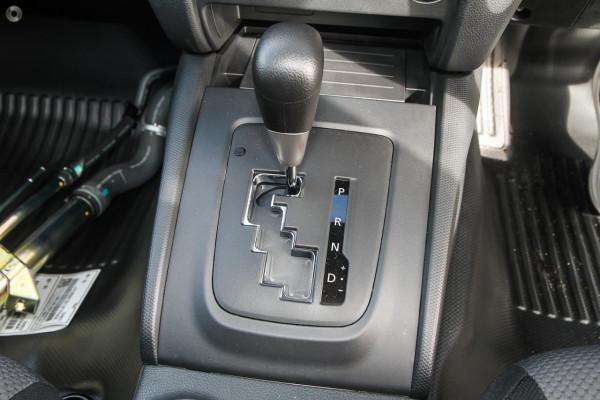2020 Mitsubishi Triton MR GLX ADAS Double Cab Chassis 4WD Cab chassis Image 2