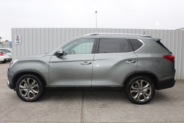 2019 SsangYong Rexton Ultimate 9 of 20