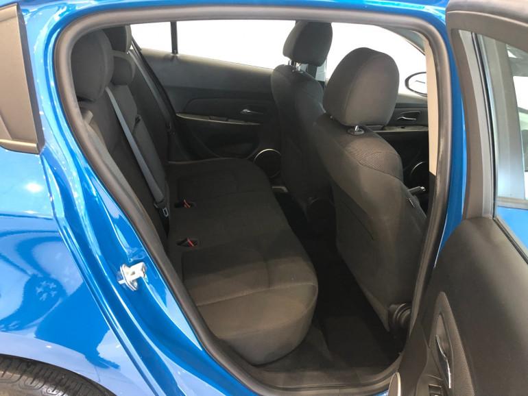 2013 Holden Cruze JH Series II Equipe Hatchback Image 12