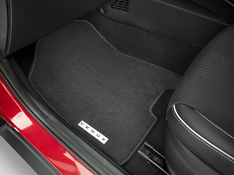 "<img src=""Tailored carpet floor mats (set of 4) - white stitching"