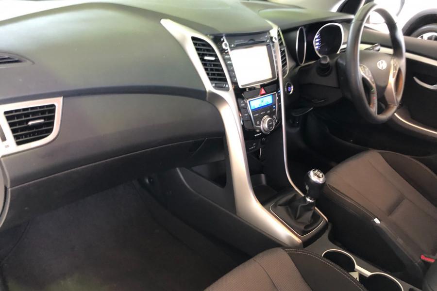 2015 MY16 Hyundai I30 GD3 Series II  SR Hatchback Image 12
