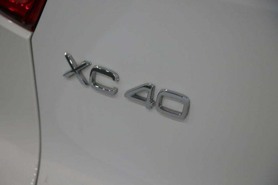 2020 Volvo Xc40 (No Series) MY20 T4 Momentum Suv Image 14