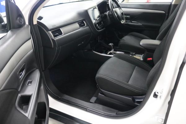 2018 MY18.5 Mitsubishi Outlander ZL  LS AWD Suv Image 5