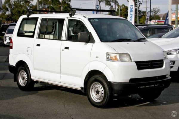 2014 Suzuki APV Van Image 3