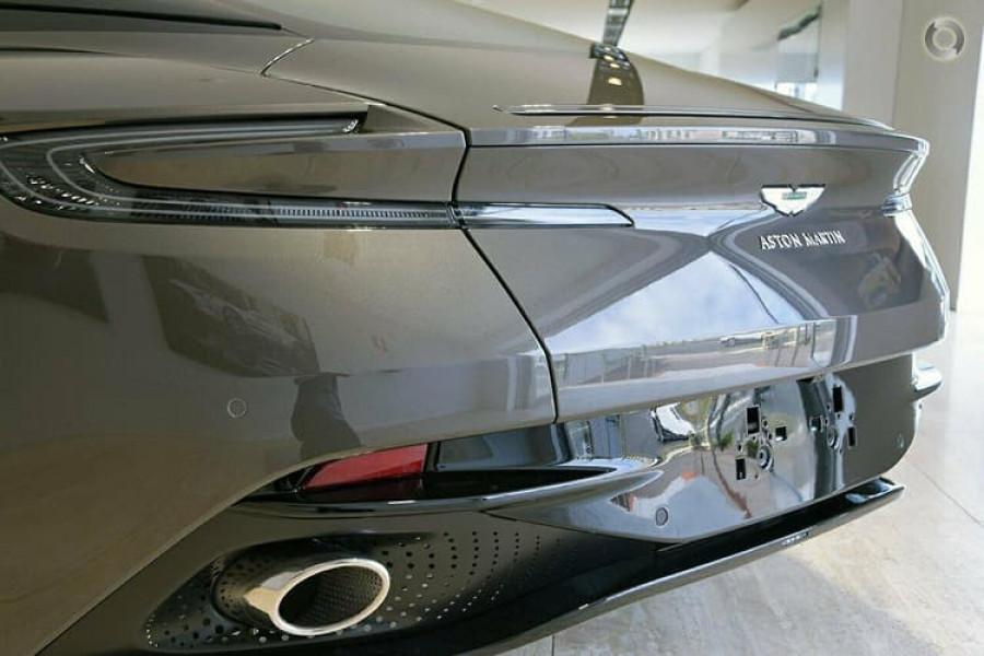 2018 Aston martin Db11 V8 Coupe Image 5