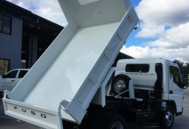 Fuso Canter TIPPER 815