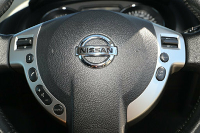 2011 MY10 Nissan Dualis J10 Series II MY2010 Ti Hatch X-tronic Hatchback