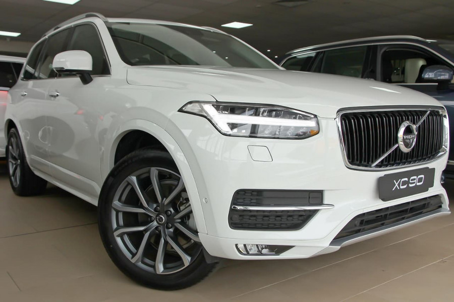 2018 MY19 Volvo XC90 L Series D5 Momentum Suv Mobile Image 1
