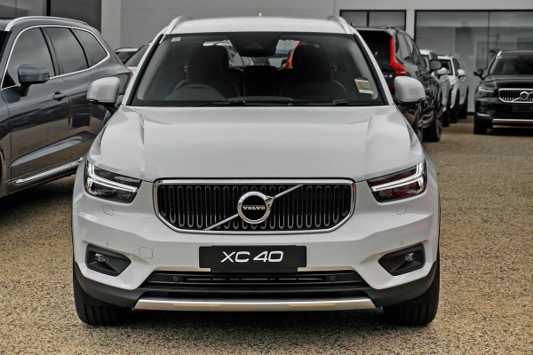 2020 MY21 Volvo XC40 XZ T4 Momentum Suv Image 3