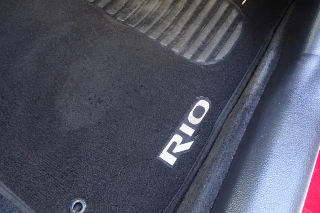 2012 Kia Rio S 5 Door 17 of 26