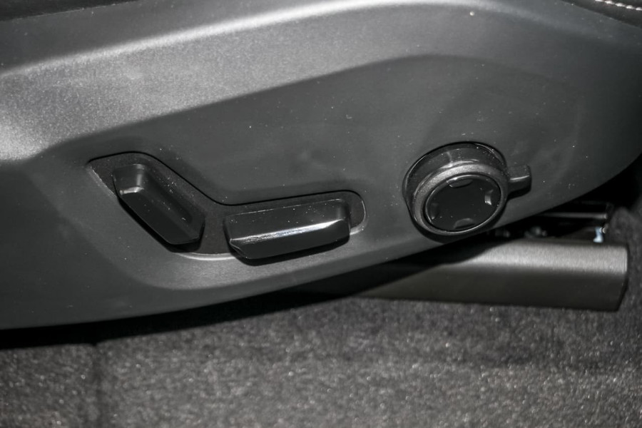 2021 Volvo XC90 L Series T6 R-Design Suv Image 16