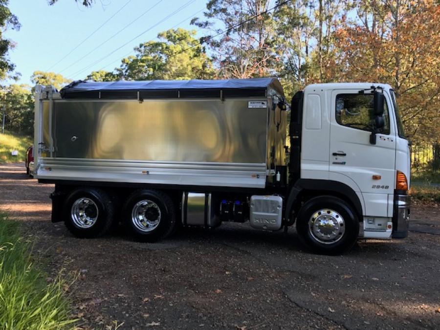 2020 Hino Ss 2848 Air Truck Image 1