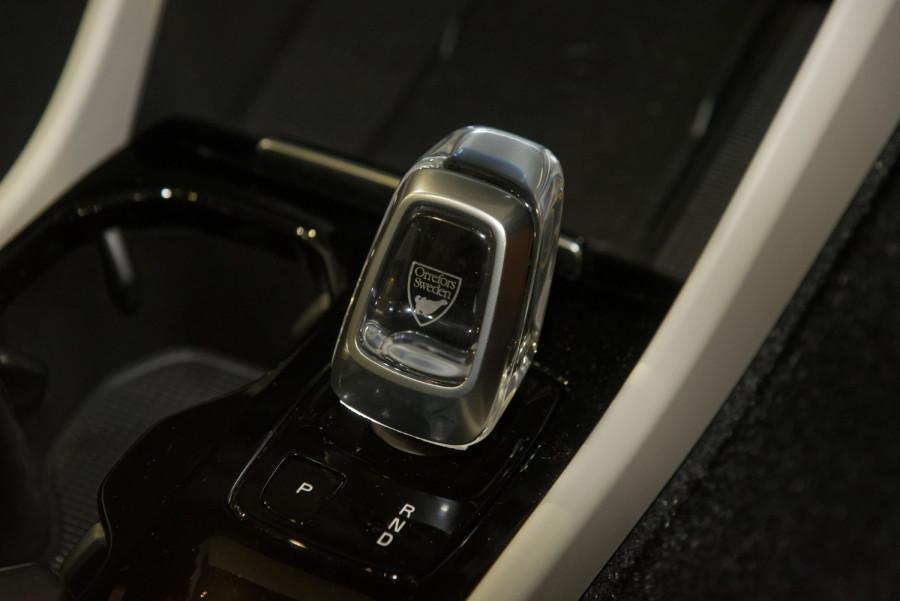 2021 Volvo XC40 XZ T4 Inscription Suv Image 15