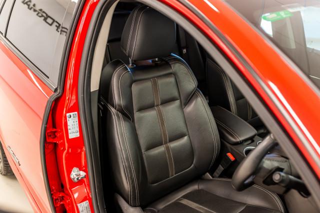 2017 Holden Commodore Wagon Image 23